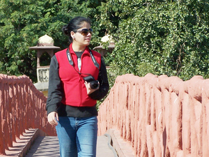 Molly Travel Blogger