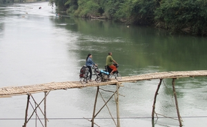 Round the World on a Folding Bike with $5 a day by Indo-Japanese couple