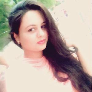 Sana Shereen Travel Blogger