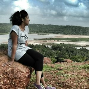 Cyanna Serra Travel Blogger