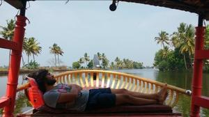 Grad trip to Kerala: Munnar and Aleppey