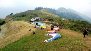 Lift your spirits, ditch your fears & jump from 7800+ ft in BirBilling, Himachal