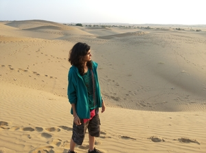 anisha.18j Travel Blogger