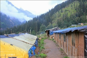 How to Get High With Magical Nature-kheerganga (Sacred Mountain)