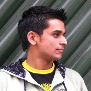 Kaushal Karkhanis Travel Blogger
