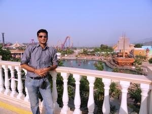 Charu Travel Blogger