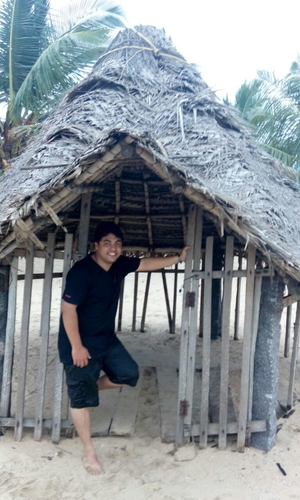 Davis Jose Travel Blogger
