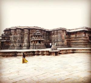 A glimpse ofHoysala architecture :Belur and Halebid