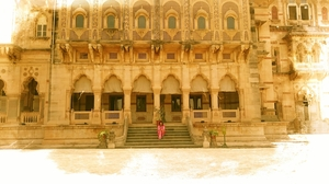 Laxmi Vilas Palace: The largest private dwelling built till date.