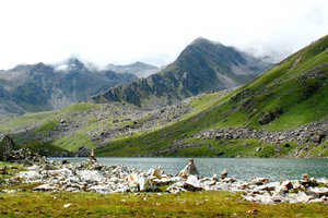 10 Unplumbed Treks In Uttarakhand That Are Best To Be Considered For This Summers.