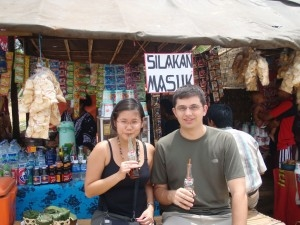 Dina and Ryan  Travel Blogger
