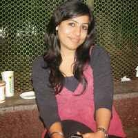 Nisha Khurana Travel Blogger