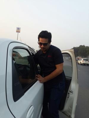 Puneet Bhadana Travel Blogger