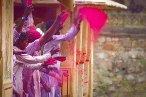 10 Best Places To Celebrate Holi In India (PART 1)