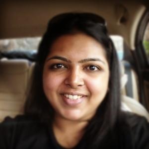 Avni   Travel Blogger