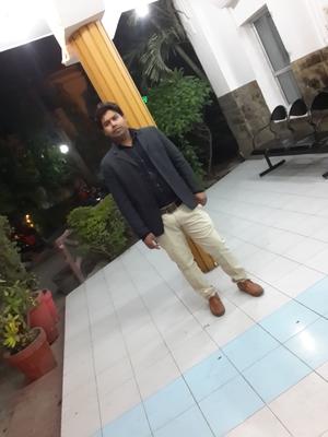 Haroon Mansoori Travel Blogger