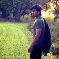 Ayush Dave Travel Blogger