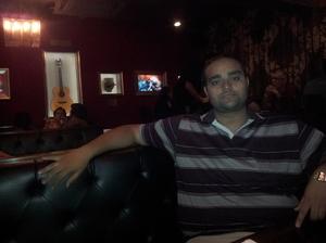 Asil Zaidi Travel Blogger