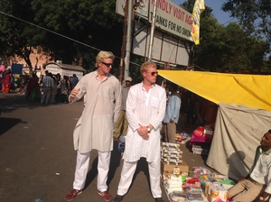 2 Foreigners In Bollywood Are Discovering Mumbai In Style And Here's Their Story