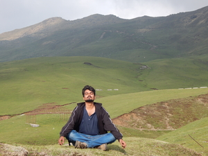 Aniket Singh ( Hippies Adventures ) Travel Blogger