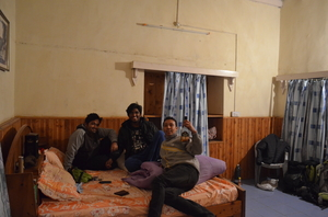 Winter Trek to Frozen Prashar Lake