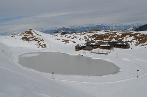 Winter Trek to Frozen Prashar Lake