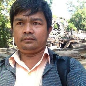 Tes Chhaya Travel Blogger