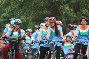 Cycling and Food Tour in Mumbai, India