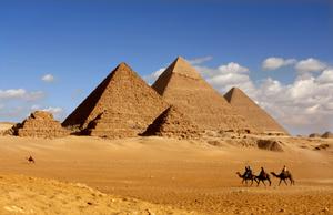 Cairo Day Tour: Giza Pyramids & Museum