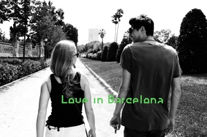 Barcelona: Half-Day Photo Shoot & Tour for Lovers