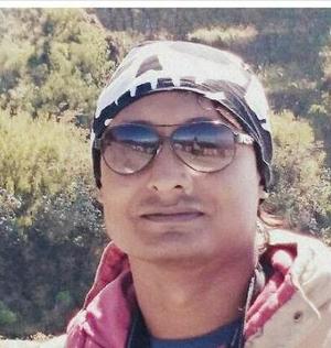 Raj Manna Travel Blogger
