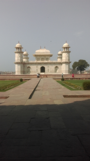 ONE DAY IN AGRA