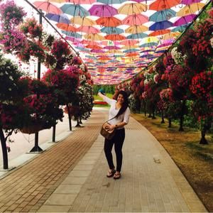 queen Travel Blogger