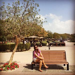 liz bayona Travel Blogger