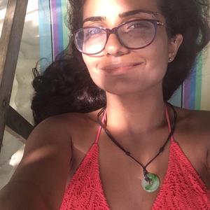 Haya Travel Blogger