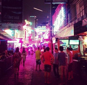 Backpacking Bangkok : Boom-Boom Ping Pong Show Monkey What ?