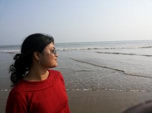 Raisa Travel Blogger