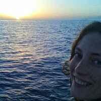 Eileen N Travel Blogger