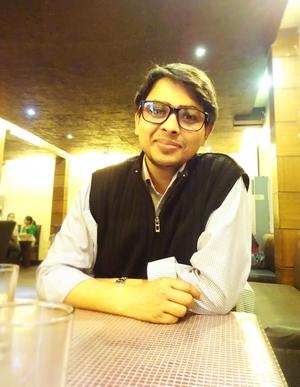 Ayush Tiwari Travel Blogger