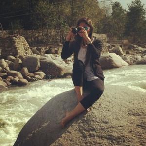 Nomadic Streaks! Travel Blogger