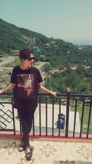 juhi shah Travel Blogger