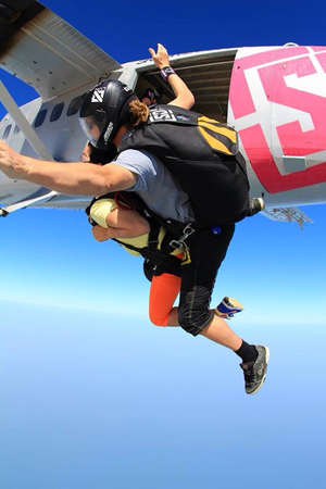 sky dive at Dubai
