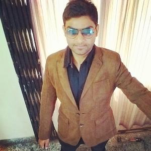 Dr.Parth varde Travel Blogger