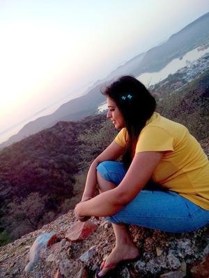 Hiral Jansari Travel Blogger