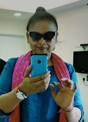 Mala Travel Blogger