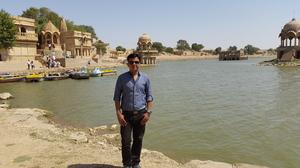 ABHINAV MISHRA Travel Blogger