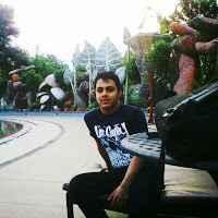 Ali  Travel Blogger