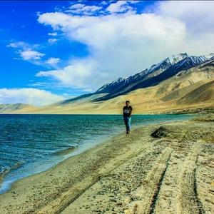 V Saketh Reddy Travel Blogger