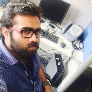 Vivek Vickzz Travel Blogger