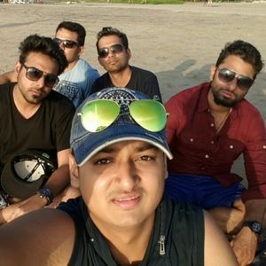 Milind Gupta Travel Blogger